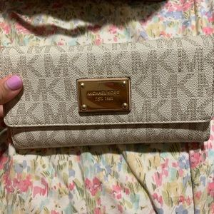 Michael kors checkbook wallet